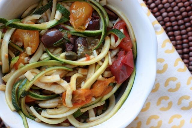 puttanesca zucchini noodles - Foodconfidence.com