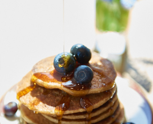 Peanut Butter Banana Pancakes! Creamy and delicious flapjacks. Made with fun ingredients and lots of love. #breakfast @danielleomar #glutenfree