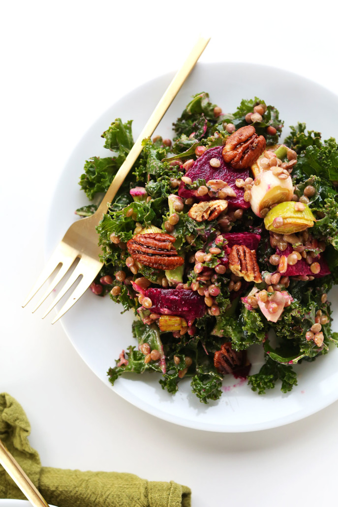 HEALTHY-satifying-winter-salad-with-kale-lentils-roasted-beets-and-leek-and-roasted-pecans-vegan-glutenfree