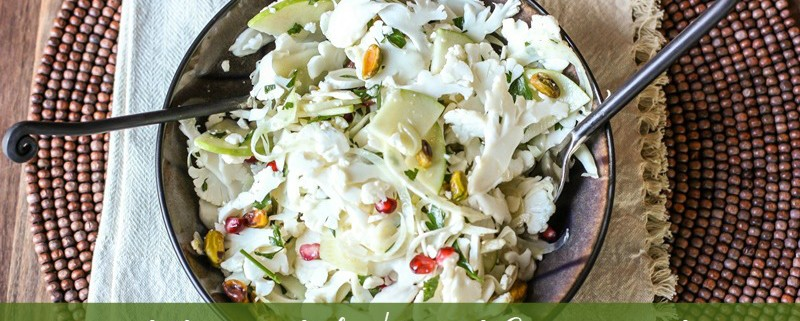 sliced cauliflower salad with fennel and green apple