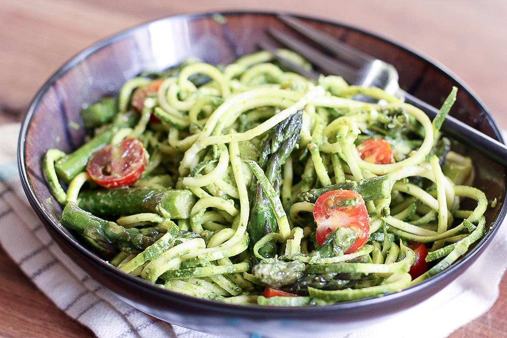 Asparagus and Zucchini Noodles with Creamy Spinach Pesto