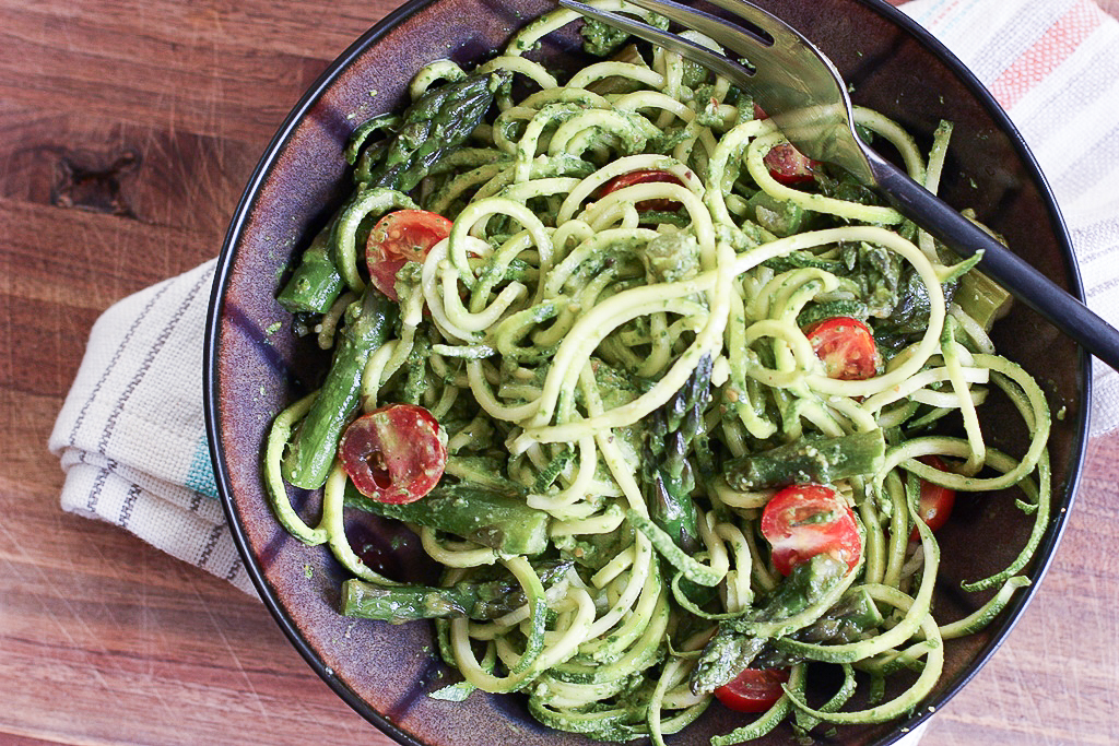 Asparagus and Zucchini Noodles with Creamy Spinach Pistachio Pesto