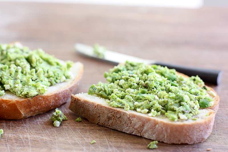 smashed pea toast with mint and feta