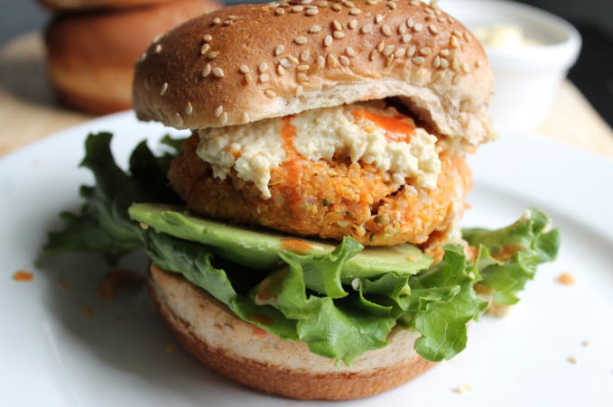 https://karalydon.com/healthy-eating/buffalo-chickpea-quinoa-burgers-with-blue-cheese-dressing/